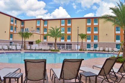 Pool | Red Lion Hotel Orlando Lake Buena Vista South