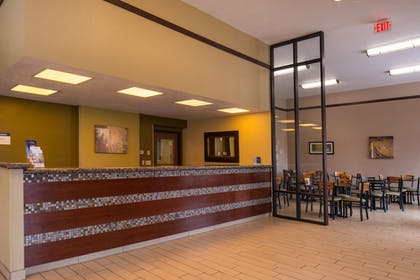 Interior Entrance | Best Western Ambassador Inn & Suites