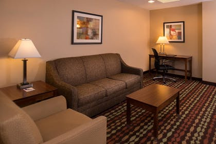 Living Area | Best Western Ambassador Inn & Suites
