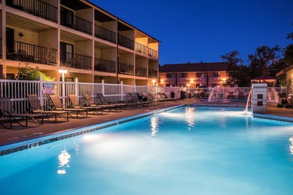 Pool | Best Western Ambassador Inn & Suites