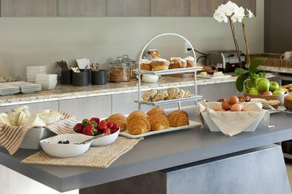 Breakfast Area | SENZA Hotel