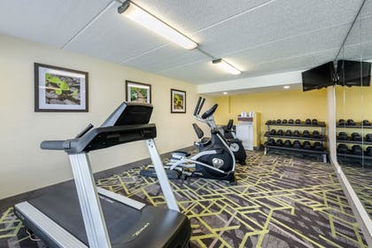 Fitness Facility | Quality Inn And Suites Riverfront