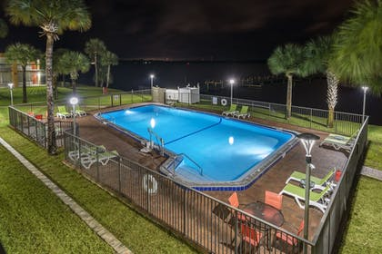 Indoor Pool | Quality Inn And Suites Riverfront