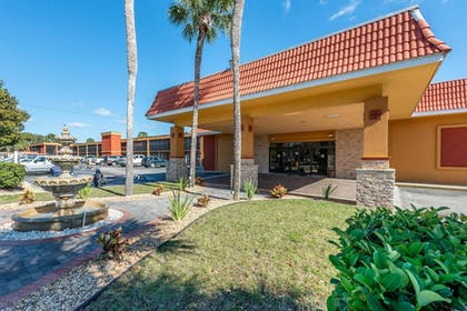 Featured Image | Quality Inn And Suites Riverfront