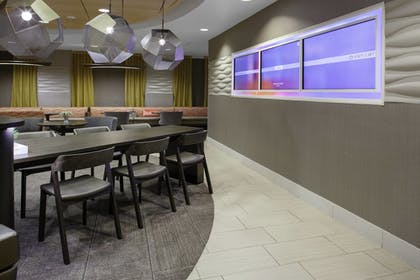Breakfast Area | SpringHill Suites Cincinnati North/Forest Park