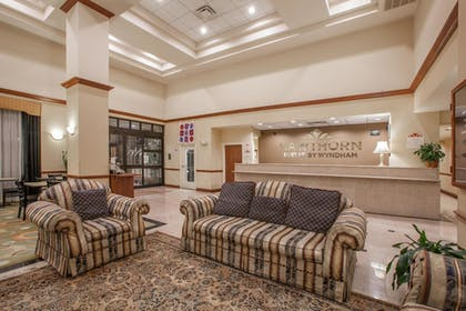 Lobby | Hawthorn Suites by Wyndham Midwest City Tinker AFB