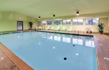 Pool | Hawthorn Suites by Wyndham Midwest City Tinker AFB