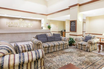 Lobby Lounge | Hawthorn Suites by Wyndham Midwest City Tinker AFB