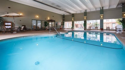 Pool | Best Western Holiday Lodge