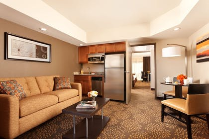 In-Room Kitchen | Holiday Inn & Suites Phoenix Airport North