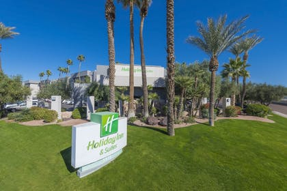 Featured Image | Holiday Inn & Suites Phoenix Airport North