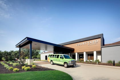 Front of Property   Courtyard by Marriott Addison Midway