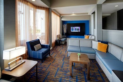 Lobby Sitting Area | Courtyard by Marriott Addison Midway