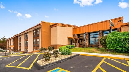 Exterior | Best Western Center Pointe Inn
