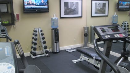 Fitness Facility | Artmore Hotel - Midtown
