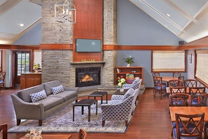 Lobby | New Haven Village Suites