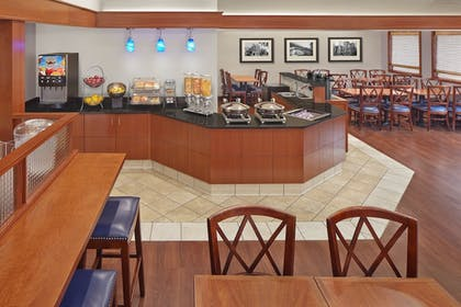 Breakfast Area | New Haven Village Suites
