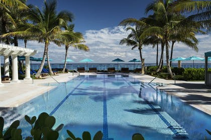Outdoor Pool | The Breakers Palm Beach
