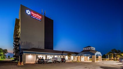 Featured Image | SureStay Plus Hotel by Best Western Kansas City Airport