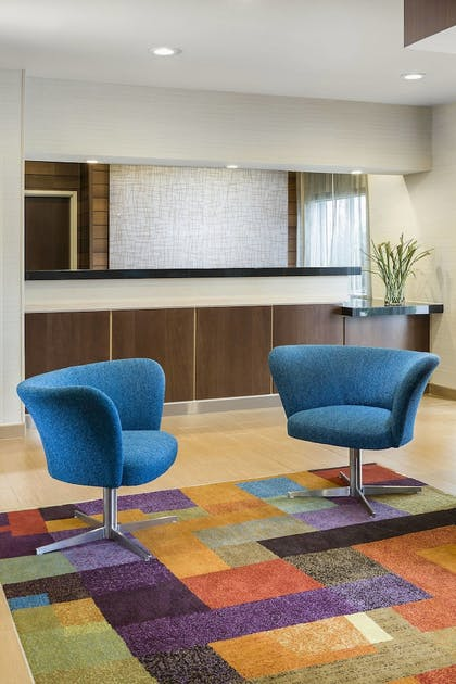 Lobby | Fairfield Inn & Suites Jackson