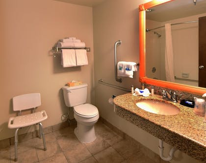 Bathroom | Best Western Plus Ahtanum Inn