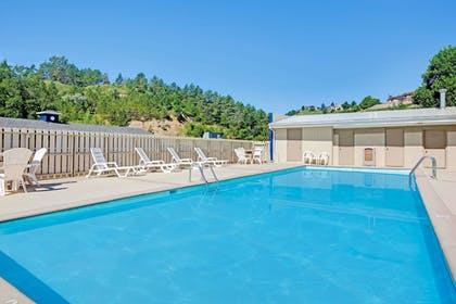 Pool | Travelodge by Wyndham Rapid City