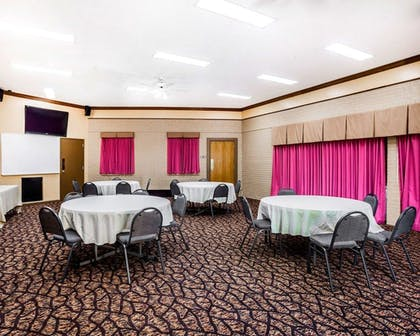 Meeting Facility   Quality Inn & Suites Kansas City Airport North