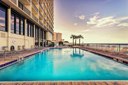 Pool | Holiday Inn Express & Suites Oceanfront