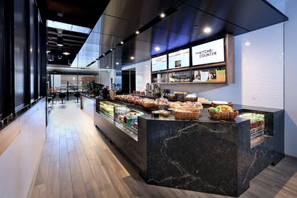 Restaurant | Amway Grand Plaza, Curio Collection by Hilton