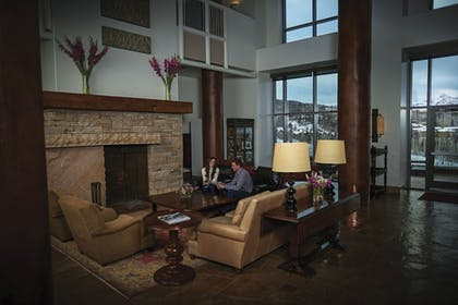 Lobby Sitting Area | The Peaks Resort and Spa