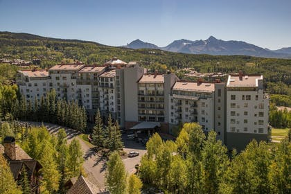 Exterior | The Peaks Resort and Spa