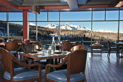 Restaurant | The Peaks Resort and Spa