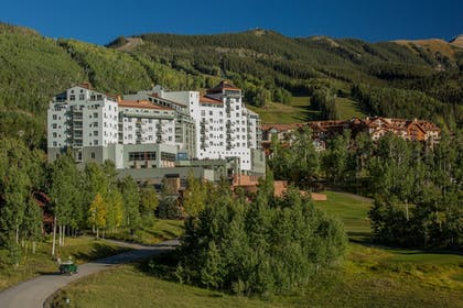 Property Grounds | The Peaks Resort and Spa
