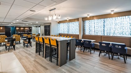 Restaurant | Best Western Plus Bloomington East Hotel