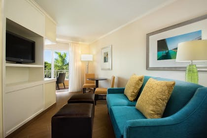Living Area | Fairfield Inn and Suites by Marriott Key West