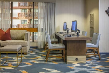 Business Center | Hotel 1620 Plymouth Harbor