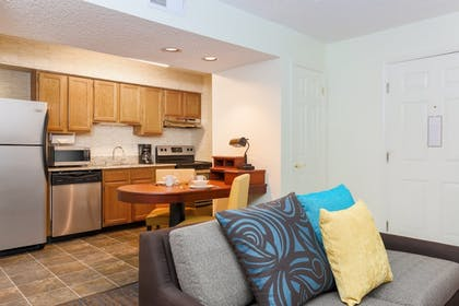 In-Room Kitchen | Hawthorn Suites by Wyndham Tinton Falls