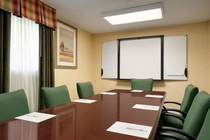 Meeting Facility | Hawthorn Suites by Wyndham Tinton Falls