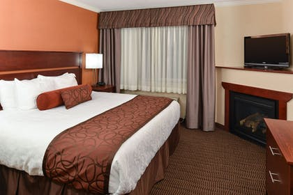 Guestroom | Best Western Plus Landmark Inn