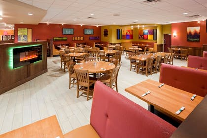Restaurant | Best Western Plus St. Paul North/Shoreview