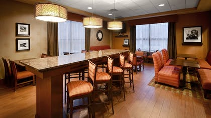 Breakfast Area | Best Western Plus St. Paul North/Shoreview