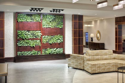 Lobby Sitting Area | The Westin Mount Laurel