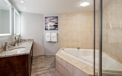 Bathroom | Best Western Ocean Reef Suites