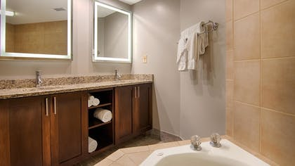 Jetted Tub | Best Western Ocean Reef Suites