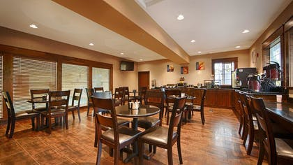 Breakfast Area | Best Western Plus Prairie Inn