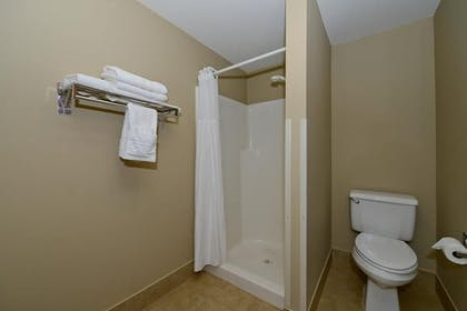 Bathroom | Best Western Plus Prairie Inn