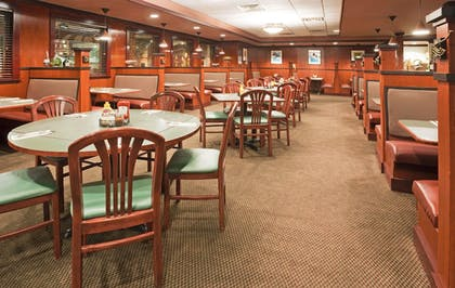 Restaurant | Holiday Inn Bloomington Airport South Mall Area