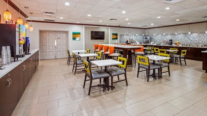 Breakfast Area | Best Western Inn Of Palatka