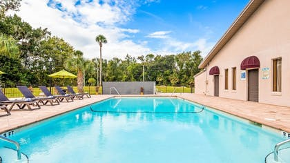 Outdoor Pool | Best Western Inn Of Palatka