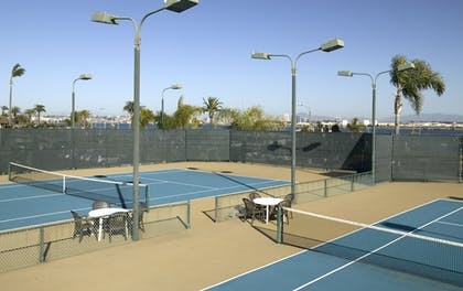 Tennis Court | Best Western Plus Island Palms Hotel & Marina